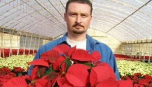 Hot Springs Relay for Life Team Hosts Poinsettias and Pancakes Fundraiser